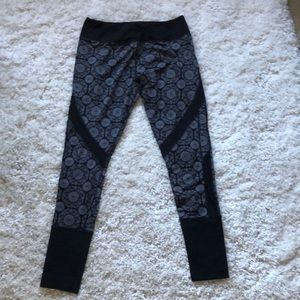 Ladies Kyodan leggings yoga pants EUC size Large